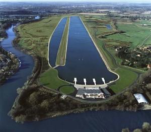 Eton Dorney в Итоне станет местом соревнований по гребле, а в Hyde-Park будут соревноваться триатлонцы