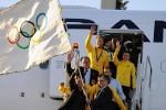 Олимпийский флаг прилетел в Рио-де-Жанейро