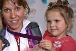 Ради спасения жизни маленькой девочки можно продать медаль