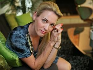Сьюзи Хэмилтон подрабаотывает в американском эскорт-агентстве